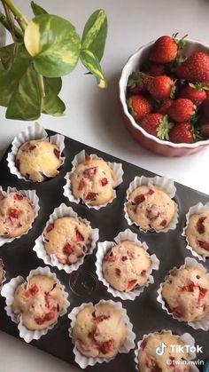 Fun Baking Recipes, Dessert Recipes, Cooking Recipes, Cooking Food, Aesthetic Food, Diy Food, Food Videos, Love Food, Food To Make