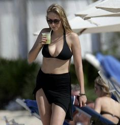 Online Stardom | Leelee Sobieski Reminds Me of a Young Helen Hunt | News and Gossips