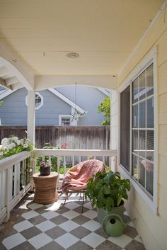 love the painted floors, our porch really needs to be repainted and I think a gray and white diamond pattern would be DIVINE! Painted Porch Floors, Porch Flooring, Painted Floorboards, Outdoor Spaces, Outdoor Living, Outdoor Decor, Porch And Balcony, Balcony Ideas, Checkered Floors