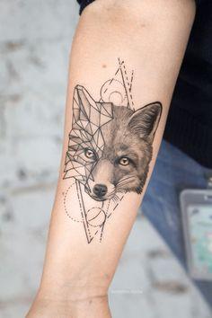 Тату геометрия - подходит для любителей строгих форм и прямых линий. Геометрия отлично сочетается с животными и пейзажами. Тату геометрия | Тату для девушек | Женские тату | Тату на руке для девушек | Тату со смыслом | Тату геометрия на руке | Тату геометрия для девушек | Татуировки для девушек на руке | Эскизы тату #tattoo #tattoodesign #tattooflash #tattooideas #inspirationtattoo #cutetattoo #girltattoo #эскиз #идея #татугеометрия #geometrytattoo #geometry #татугеометрия Nature Tattoo Sleeve, Nature Tattoos, Body Art Tattoos, Sleeve Tattoos, Fox Tattoo Men, Wolf Tattoos, Tatoos, Tattoos For Guys, Tattoos For Women