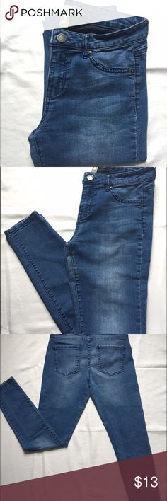 Life in progress jeans Comfortable, high waisted, blue skinny jeans! Stretchy material and worn twice. Jeans Skinny
