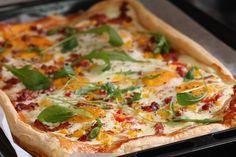 Finnish Recipes, Breakfast Pie, Hawaiian Pizza, Vegetable Pizza, Food And Drink, Bread, Snacks, Baking, Cake