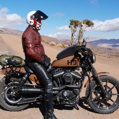 Roadtrip Factory inaugure Terres de Scrambler au Maroc cette semaine ! 1450km pour découvrir les secrets de l'Atlas en Iron 883 version Scrambler. Première étape de Marrakech à Aït Ben Haddou en passant par Tizi'n Tischka Taddert et Telouet. #FindYourFreedompic.twitter.com/laGFtdTnGS Iron 883, Marrakech, Road Trip, Motorcycle, Twitter, Vehicles, Morocco, Road Trips, Motorcycles