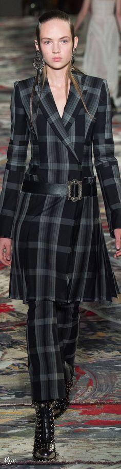 Spring 2017 Ready-to-Wear Alexander McQueen