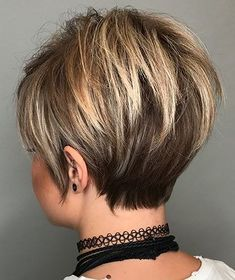 Stylish 36 Astonishing Back View Short Pixie Haircut Hairstyle Ideas To Try Asap Pixie Haircut For Thick Hair, Short Hairstyles For Thick Hair, Short Brown Hair, Short Hair With Layers, Short Bob Haircuts, Short Hair Cuts For Women, Layered Hair, Hairstyles Haircuts, Short Hair Styles