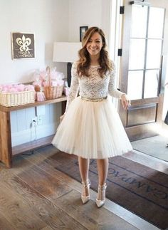 20 Chic Fall Bridal Shower Outfits for Brides - ModeKreativ - Hochzeitkleid - Shower Dress For Bride, Bridal Shower Dresses, Bridal Shower Bride Outfit, Wedding Shower Outfits, Bridal Showers, White Bridal Shower Dress, Bridal Outfits, Estilo Lady Like, Kleidung Design