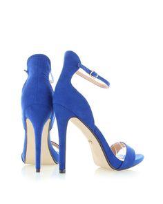 K dokonalému outfitu, dokonalé sandály!
