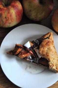 the easiest apple pie- a rustic vegan crostata