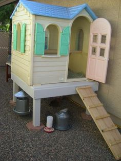 Turn an old playhouse into a chicken coop   DIY projects for everyone!
