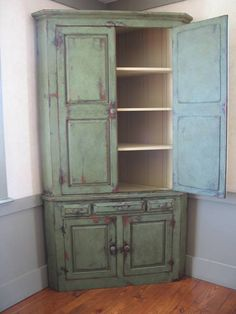 This Is PERFECT For The Corner Of My Dining Room! ~ I Heart Shabby Chic:  Best Of The Distressed   Furniture Part 62