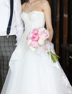 ★世界中の花嫁様から大人気★『MoniqueLhuillier(モニークルイリエ)』のAラインドレスが入荷しました! そのフェミニンなデザインと、柔らかく着心地抜群の生地感は、一度着たら虜になること間違いなしのドレスですRead More...