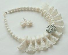 Ribbon Jewelry, Jewelry Crafts, Beaded Jewelry, Lace Necklace, Fabric Necklace, Textile Jewelry, Fabric Jewelry, Diy Schmuck, Bijoux Diy
