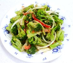 한번 맛보면 반하게 되는 된장 마요 브로콜리 무침 만드는 방법 K Food, Tasty, Yummy Food, Vegetable Seasoning, Korean Food, Korean Recipes, Food Videos, Food To Make, Food And Drink