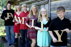Family photo ideas for large families with teens