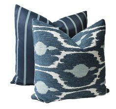 Outdoor Blue Pillow Cover with Zipper Inside Out Cushion image 2 Patio Pillows, Outdoor Cushions, Blue Pillows, Outdoor Rooms, Outdoor Living, Lumbar Throw Pillow, Throw Pillows, Pillow Corner, Velvet Drapes