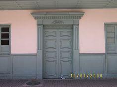 Tall Cabinet Storage, Garage Doors, Windows, Outdoor Decor, Google, Home Decor, Pereira, Houses, Doors