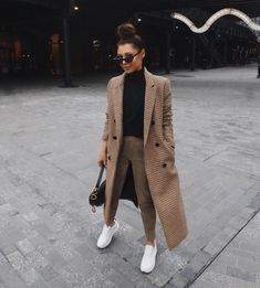 Outfits and flat lays we fell in love with. See more ideas about Casual outfits, Cute outfits and Fashion outfits. Fashion Trends, Latest Fashion Ideas and Style Tips. Outfit Chic, Date Outfit Casual, Winter Fashion Outfits, Fall Winter Outfits, Autumn Fashion, Casual Winter, Winter Ootd, Spring Fashion, Fashion Dresses