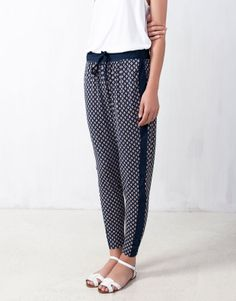 PRINT BAGGY PANTS - TROUSERS AND SHORTS - WOMAN - PULL Belgium