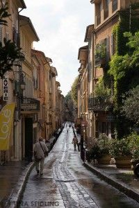 Frankreich: Ein Nachmittag in Aix-en-Provence (an afternoon at Aix en Provence, France) - Lunch For One