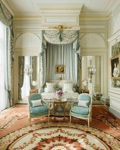 Did you know the Ritz Paris was the world's first hotel with a telephone, electricity, and bathtub in each room? Tap the link in our bio for more surprising facts about the Ritz. | Photo: @ritzparis; Design: Thierry W. Despont #interiordesign #paris