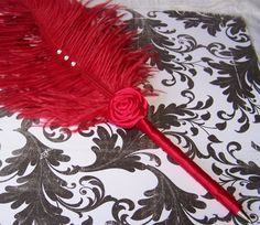 Only in hot pink, i do like this feather!     Red Feather Pen