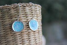 Pendientes de aro en plata de ley esmaltados al fuego en azul y turquesa