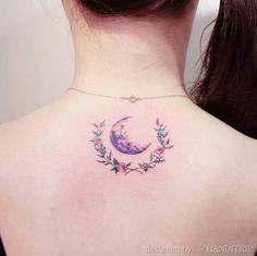 Crescent moon by Handitrip