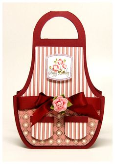 http://laurenm.blogs.splitcoaststampers.com/files/2010/06/apromphoto2.JPG  cute apron!