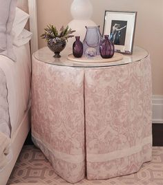Come tour the Hampton Designer Showhouse with me. Prepare yourself for an infusion of luxury Interior Design. Traditional Home Magazine, Round Beds, Home Decor Bedroom, Bedroom Décor, Girls Bedroom, Bedrooms, Furniture Arrangement, Arranging Furniture, Outdoor Seating Areas
