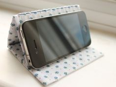 7 DIY Phone Stands And Docks That Are Amazingly Clever ...