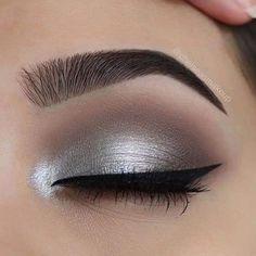 Silver Eyeshadow, Eyeshadow Tips, Eyeshadow Looks, Eyeshadow Makeup, Makeup Kit, Eyeshadow Palette, Makeup Geek, Hazel Eyeshadow, Everyday Eyeshadow