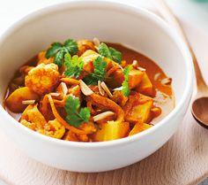Cauliflower and celeriac Madras curry - Michelle Bridges: Losing the last 5 kilos book Skinny Recipes, Raw Food Recipes, Veggie Recipes, Vegetarian Recipes, Dinner Recipes, Cooking Recipes, Healthy Recipes, Skinny Meals, Cauliflower Recipes