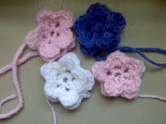 Stitch By Stitch: How to make a flower !!!