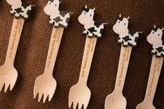 tenedores madera grabado laser vaquita primer diente First Tooth, Ideas Geniales, Favors, Wood, Cards, Ideas Para, Teeth, Rainbows, Paper