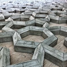 textuur - de zichtbare en voelbare structuur van het oppervlak van een materiaal Topography Map, Textures Patterns, Wallpaper Backgrounds, Concrete, Sculpture, The Originals, Architecture, Surface, Animal