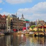 There's so many things to do in Amsterdam, like the visiting the Museum Quarter, the Rijksmuseum, the National Monument, the Heineken Experience and so much more that it might be hard to make a good selection on which items to include in your itinerary. That's why I made this 'must see and do' list
