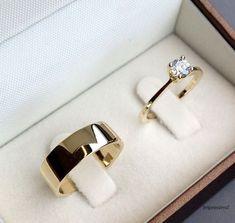 Classic gold wedding jewelry - My wedding ideas Wedding Men, Trendy Wedding, Male Wedding Bands, Wedding Night, Elegant Wedding, Perfect Wedding, Do It Yourself Fashion, Gold Wedding Jewelry, Mens Wedding Ring Gold