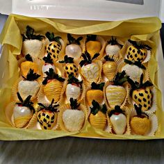 Yellow chocolate covered strawberries