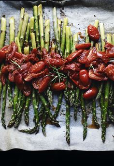 irresistible: green and red: roasted asparagus and tomatoes