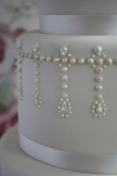 piped pearls via cotton and crumbs