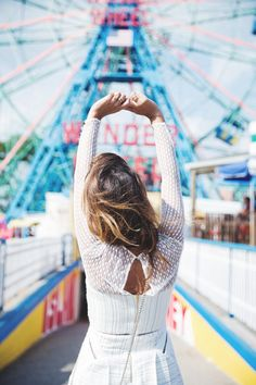 Wonder_Wheel-Coney_Island--White_Dress-Outfit-Styligion-Self_Portrait-5