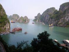 Descubre una de las siete maravillas naturales del mundo, Halong Bay en Vietnam, en el Blog El Viaje no Termina. Vamos de viaje por el continente Asiático.