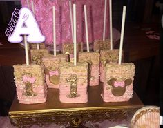Elegant Pink and Gold Minnie Mouse birthday chocolate covered Rice Krispie with drizzle- assorted Minnie Mouse Theme Party, Minnie Mouse Birthday Decorations, Minnie Mouse First Birthday, Minnie Mouse Pink, Mouse Parties, Disney Parties, Mickey Birthday, Mickey Mouse, 1st Birthday Parties