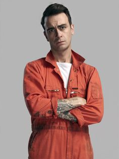 Don't know what it is about him, but i just dig the hell outta Joseph Gilgun in 'Misfits.'...I think it's that, that expression right there.
