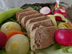 Paleo életmód: Szárnyas pástétom a lá Dupák Erika Erika, Cobb Salad, Beef, Paleo Meals, Food, Meat, Essen, Meals, Paleo Food