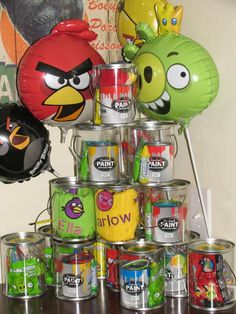 Angry Birds party - favours in clear plastic buckets! Bird Birthday Parties, Little Man Birthday, 5th Birthday Party Ideas, Boy Birthday, Birthday Stuff, Festa Angry Birds, Angry Birds Cake, Party Games, Party Favors