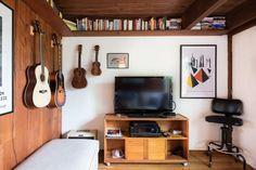 shelving near the ceiling -- Julia & Stone's Naturally Modern Multi-Level in Massachusetts