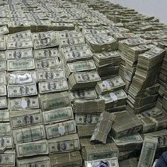 """""""Invest in binary and become a millionaire, Dm me if interested. """"Invest in binary and become a millionaire, Dm me if interested. Mo Money, Lots Of Money, Extra Money, Money Girl, Money Box, Photographie New York, Make Money Online, How To Make Money, Money On My Mind"""