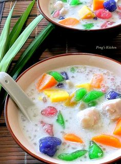 Bubur ChaCha is one of my favourite dessert of all! Love this colourful bowl of sweet fragrant coconut broth with homemade chewy tapioca pe. Filipino Desserts, Asian Desserts, Sweet Desserts, Sweet Recipes, Malaysian Dessert, Malaysian Food, Thai Dessert, Dessert Dishes, Cha Recipe