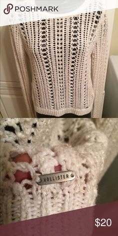 🎀HOT AND STYLISH HOLLISTER KNITTED SWEATER🎀 🎀SUPER NICE HOT AND STYLISH CREAM HOLLISTER KNITTED SWEATER 🎀 EXCELLENT CONDITION!!!🎀 Hollister Sweaters Crew & Scoop Necks